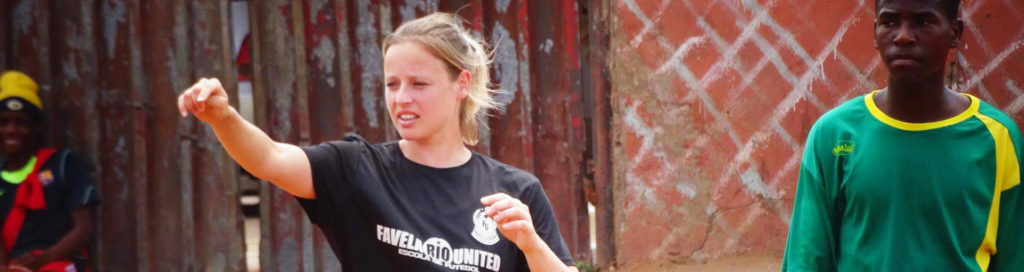 Félicienne Minnaar met Favela United in Mozambique